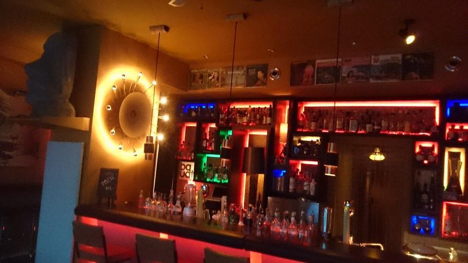 Einblick in die Bar Die Blume von Hawaii in Nürnberg