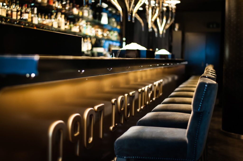 Der Tresen in der Gekko Bar Frankfurt