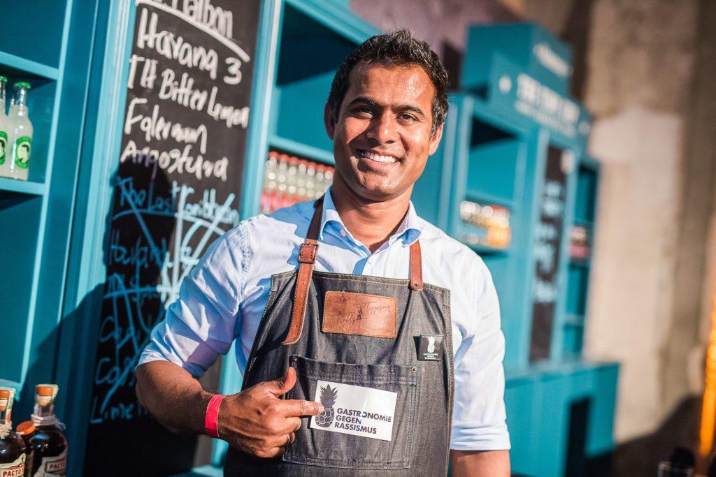 Der Bartender für Gastronomie gegen Rassismus