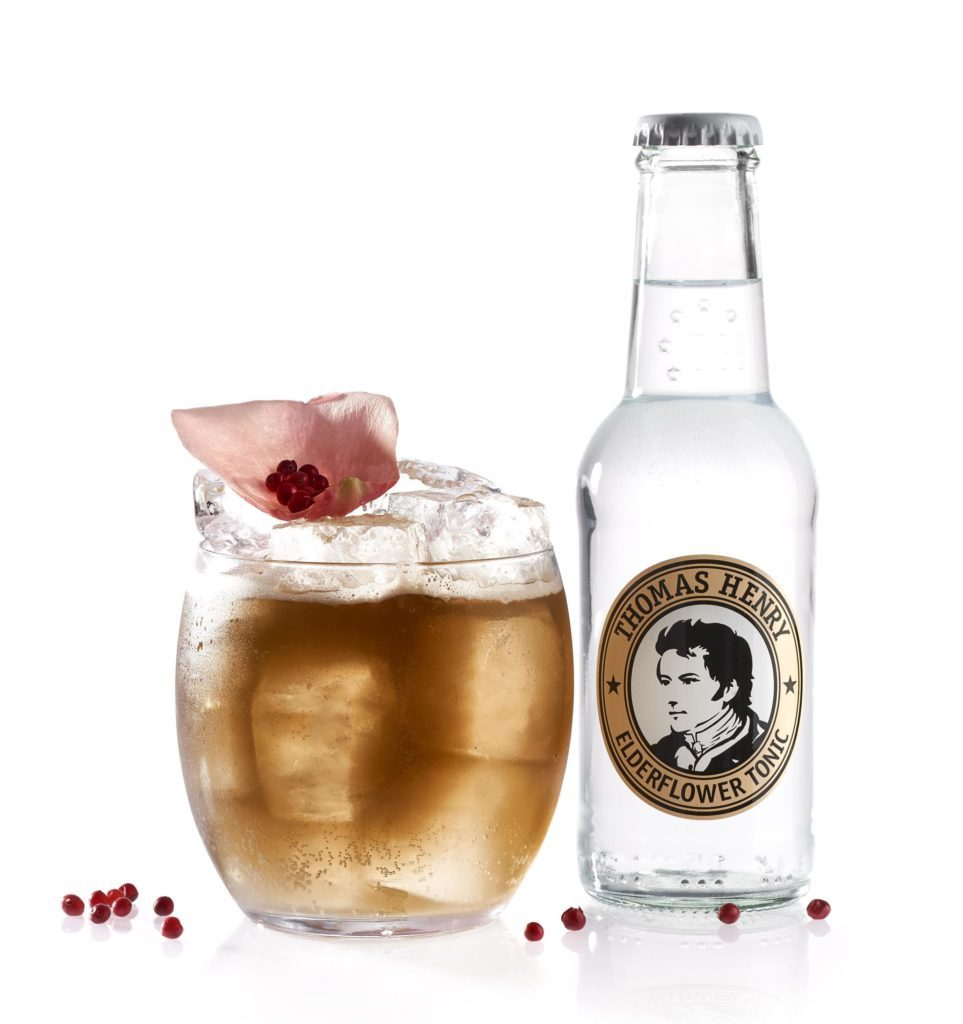 Der Bloom mit Thomas Henry Elderflower Tonic