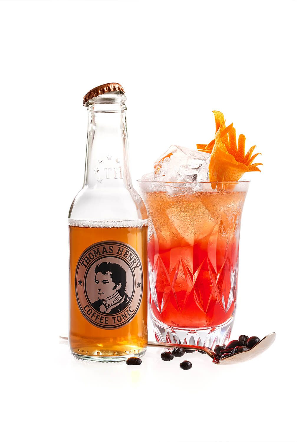 Der Red Coffee Highball mit Thomas Henry Coffee Tonic