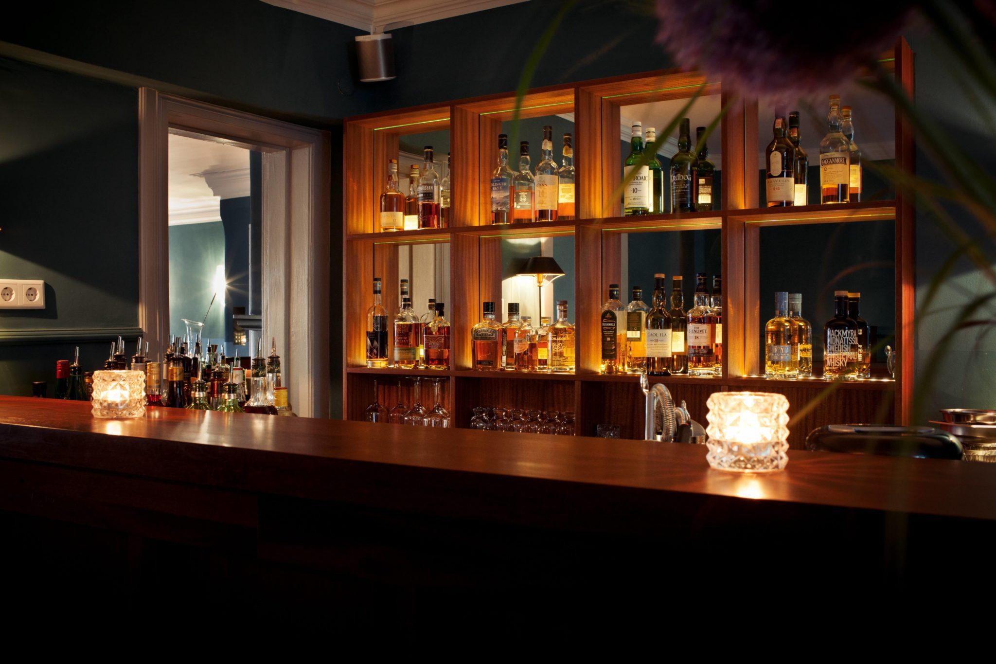Blick auf die Bar im Berglund in Hamburg