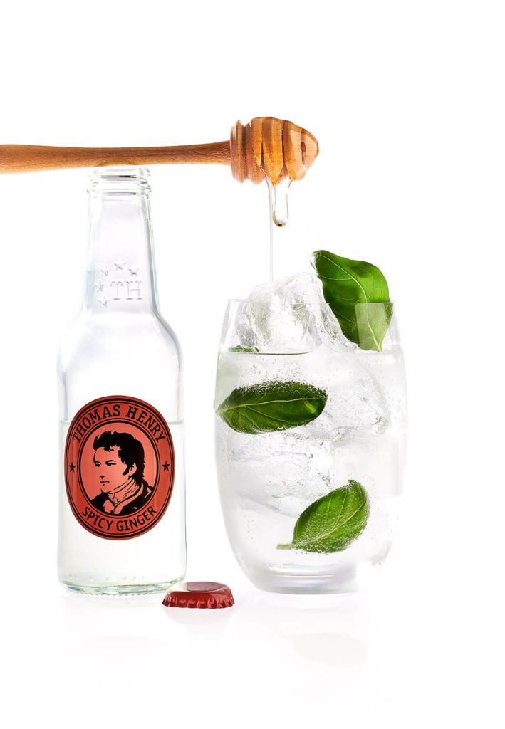 Der Barbeque Cocktail Basil Mule mit Thomas Henry Spicy Ginger