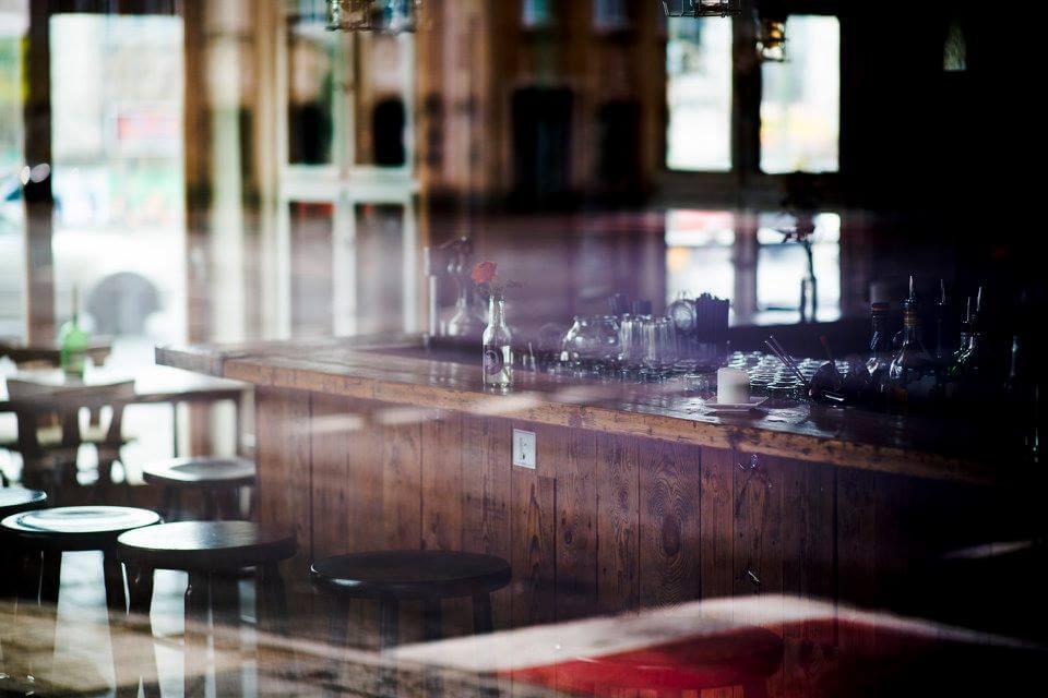 Einrichtung in der Bar Krass Böser Wolf in Berlin