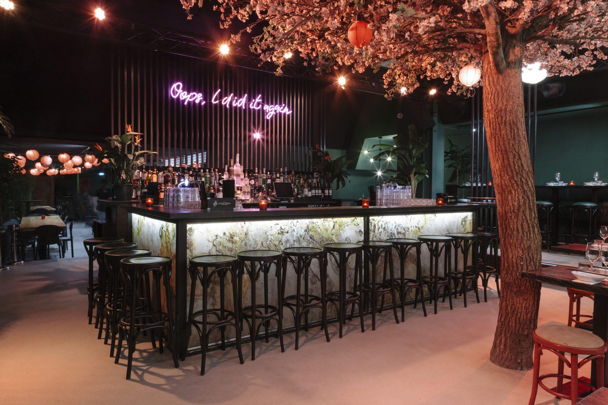 Die Bar im Chin Chin Club in Amsterdam