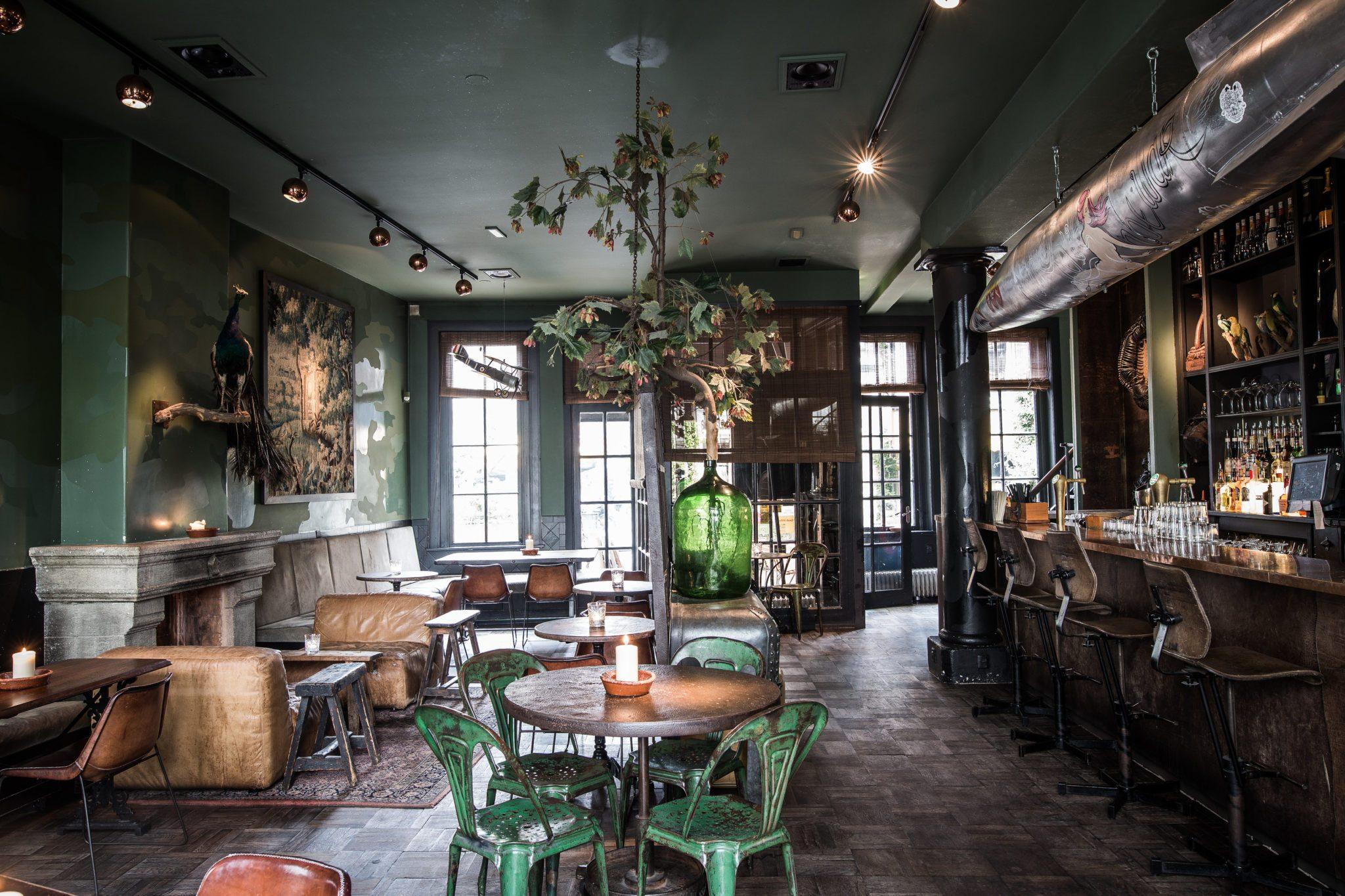 Ein Blick in die Bar Lion Noir in Amsterdam