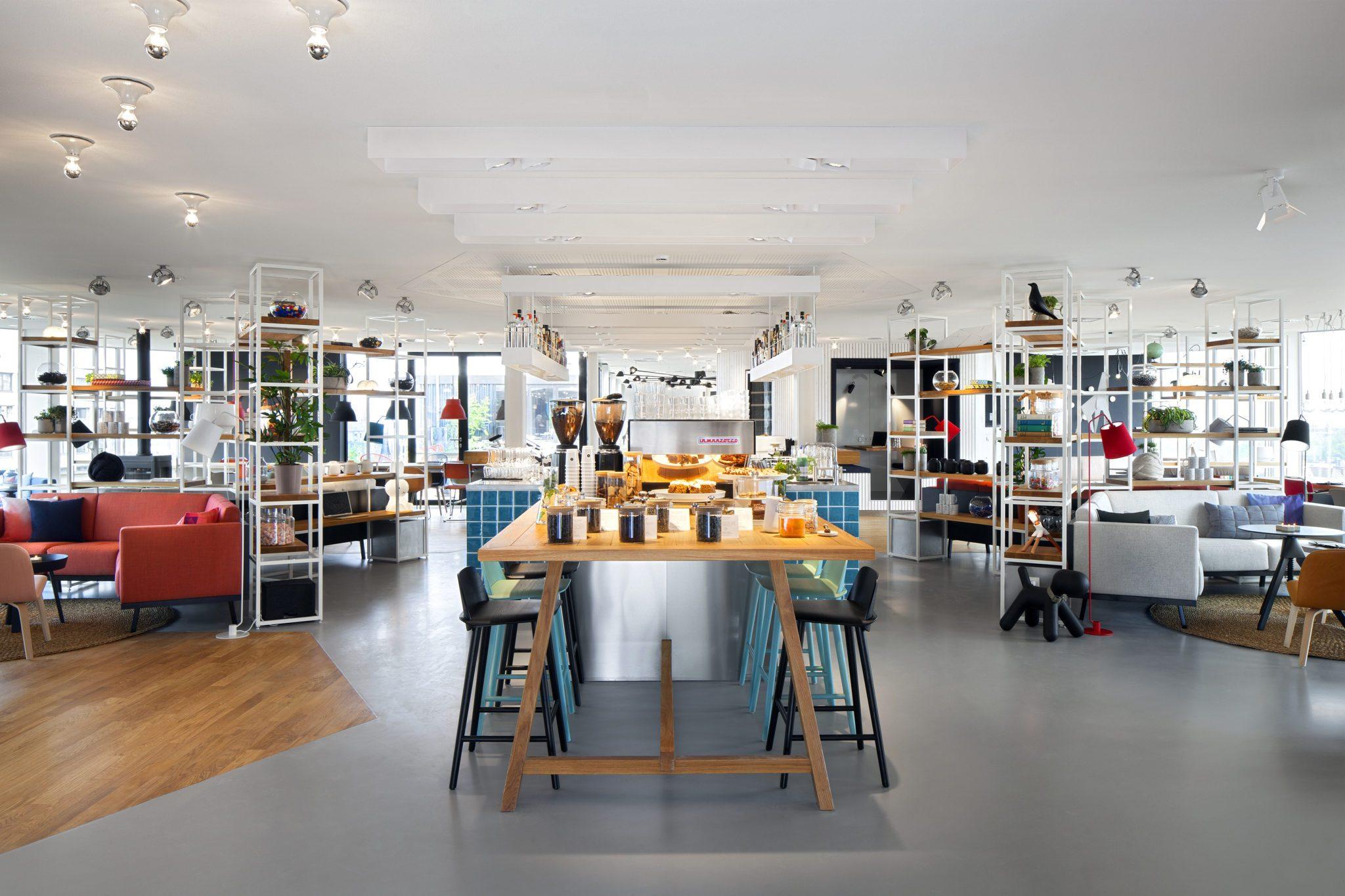 Ein Blick in die Zoku Bar in Amsterdam