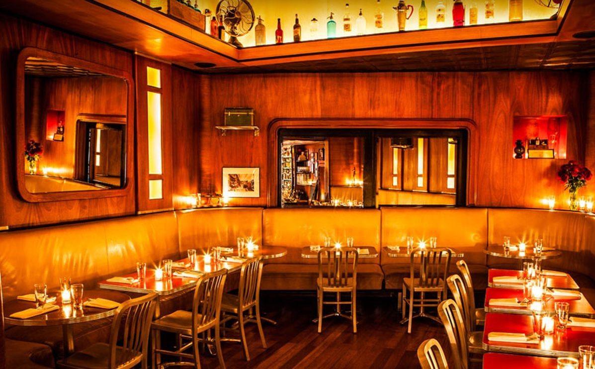 der tresen der employees only bar in new york 4