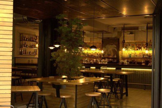 Gemütliche Atmosphäre in der Bootleg Bar
