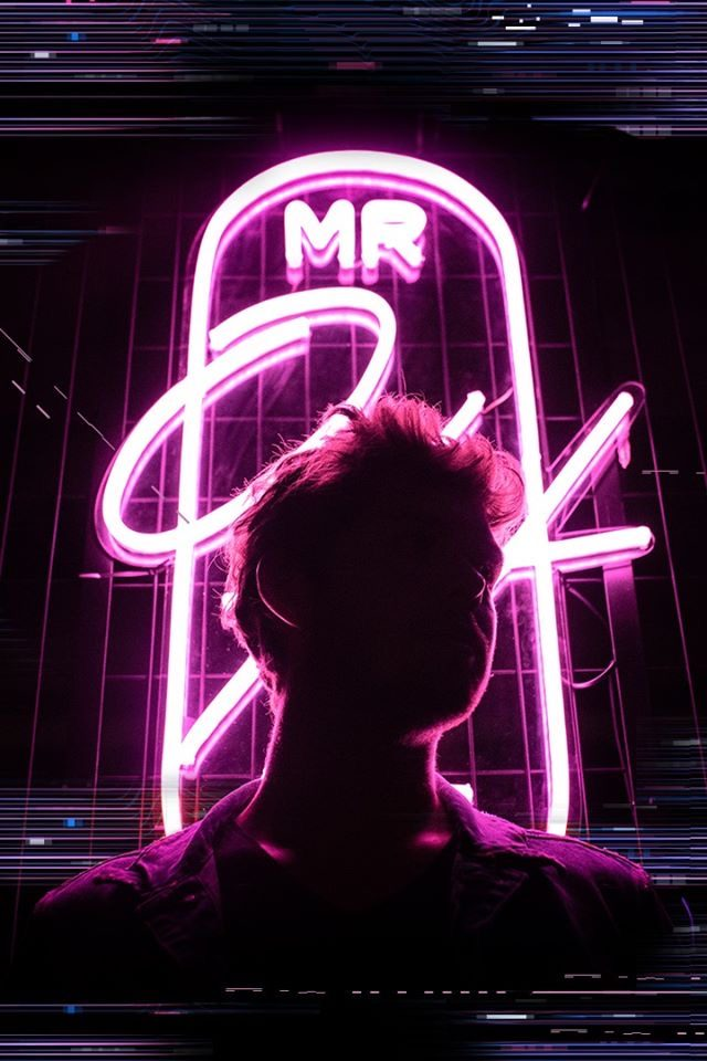 Neon-Tech-Installationen im Mr. OH