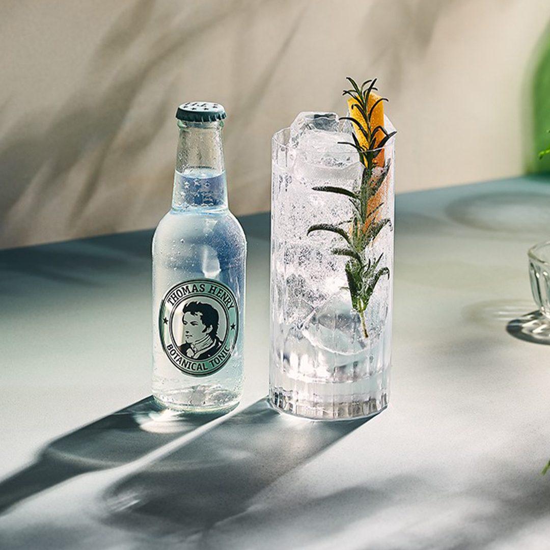 Botanical Gin & Tonic