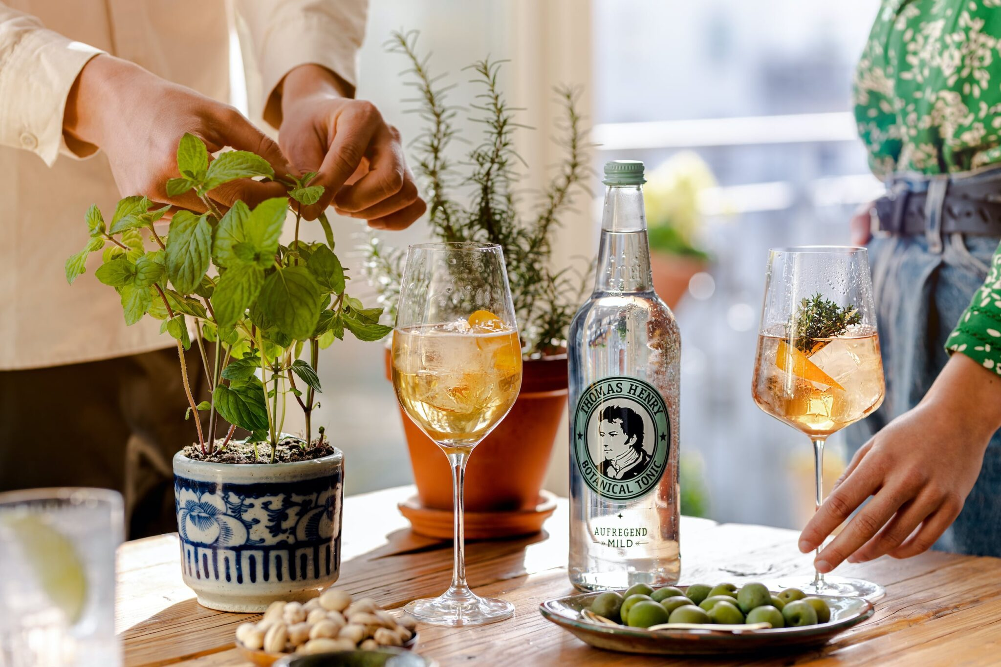 thomas henry home mixing mit 075l glasflasche botanical tonic